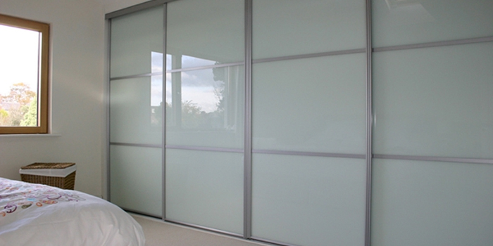 easi-slide-wardrobe-system-glass-68t8938