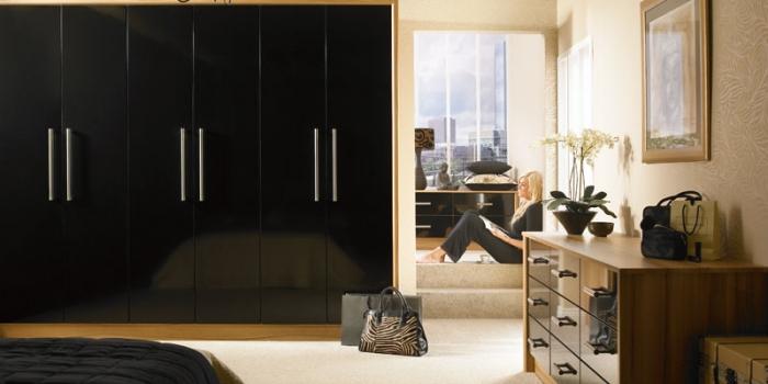 Duleek Gloss Black Bedroom