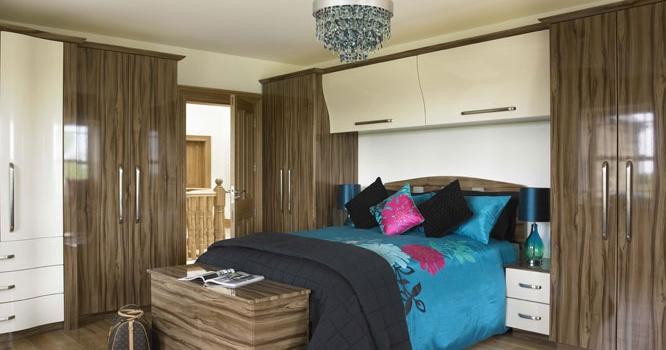 Duleek Gloss Tiepolo & Gloss Cream Bedroom