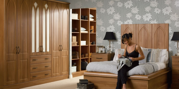 Porto Medium Walnut Bedroom