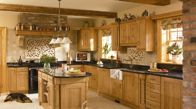 Yale Solid Character Oak Kitchen