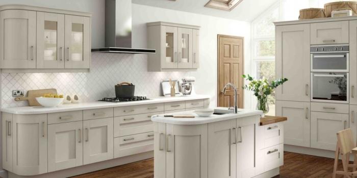 Albany Kitchen – Ivory