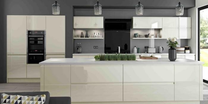 Luzzi Kitchen – Ivory