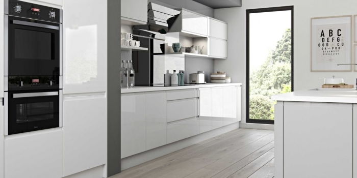 Luzzi Kitchen – Light Grey and White