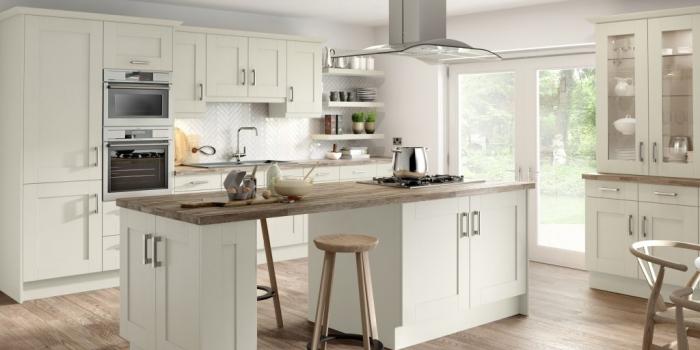 Pesaro Kitchen – Legno Ivory