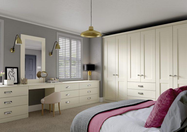 5 Piece S2 Fenwick Legno Ivory Bedroom