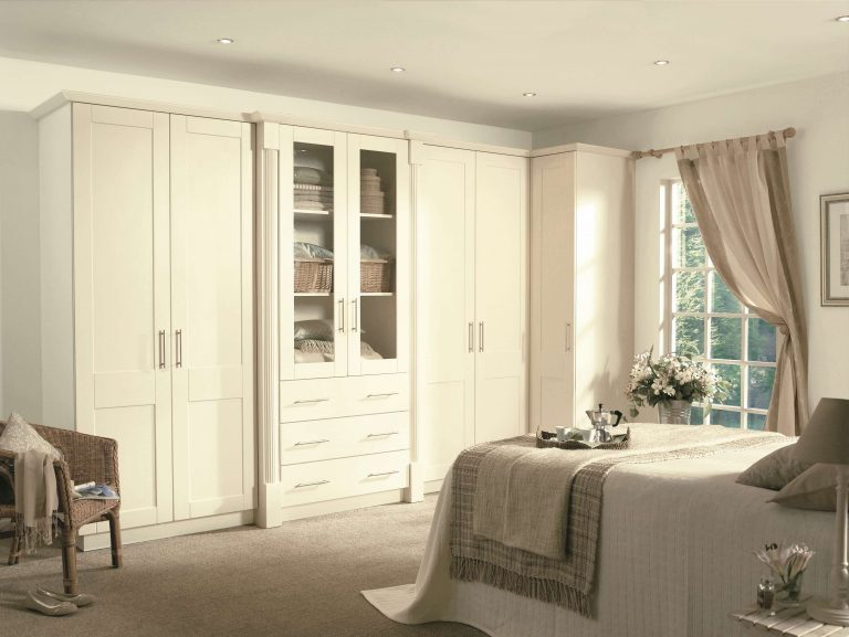 Cologne S1 Hornschurch Ivory Kitchen