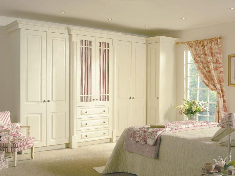 Prague S1 Hornschurch Ivory Bedroom