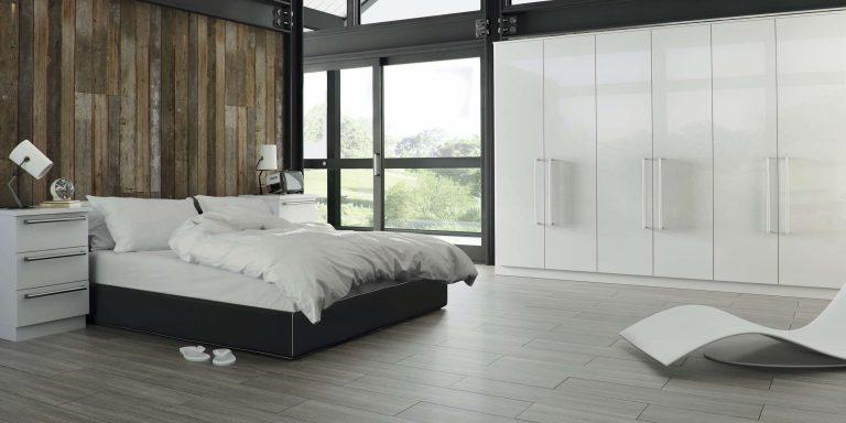 Edged Phoenix S3 Gloss White Bedroom